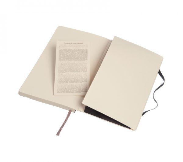 moleskine-softcover-large-black-dotted-notatbok-almanakk